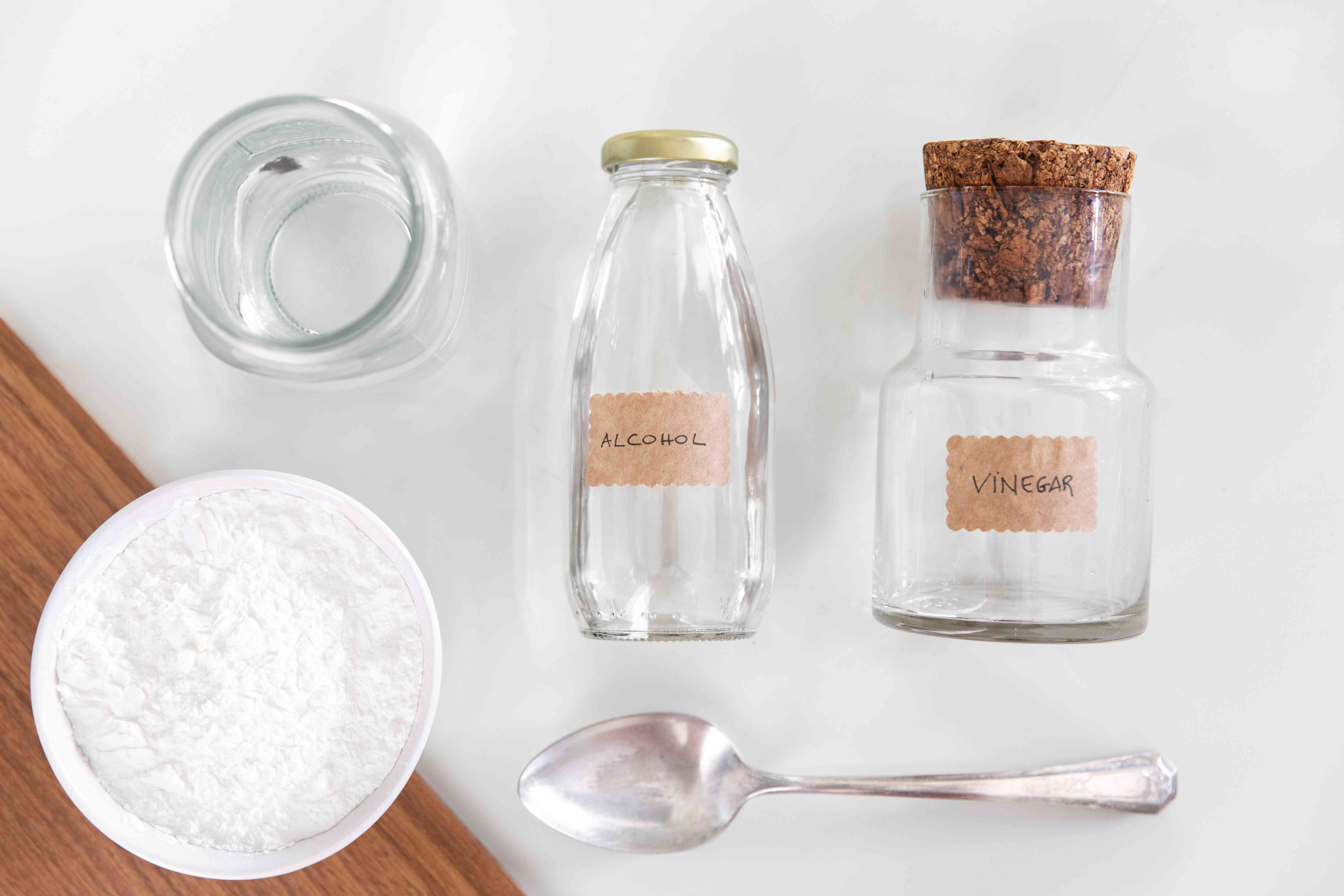 ingredients for making glass cleaner
