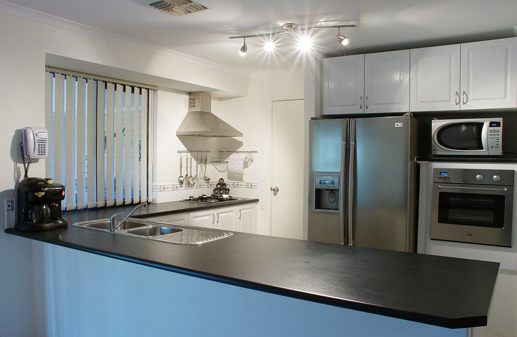 Modern Kitchen with Formica Countertops