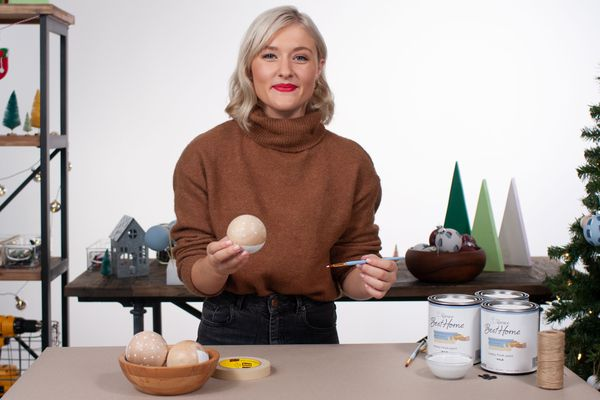 paint your own ornaments with Melissa