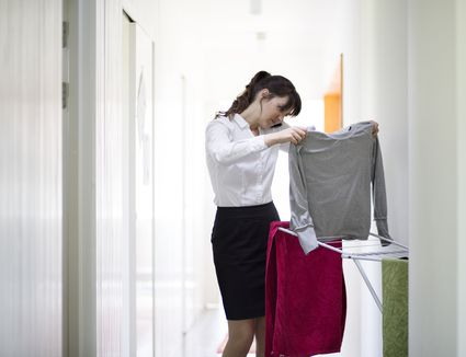 Reduce And Remove Lint From Clothes And Upholstery