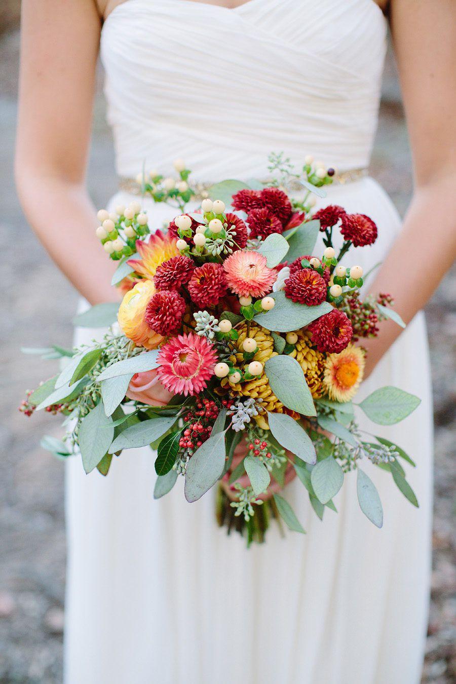 15 Fall Wedding Bouquets