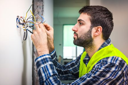 6 common wire connection problems and their solutions  the spruce