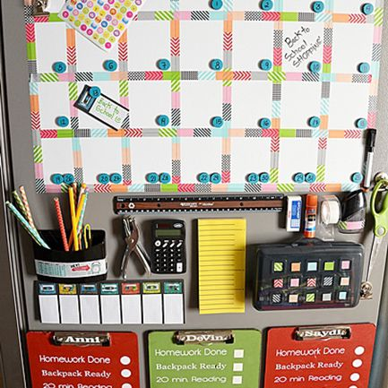Usar el refrigerador para volver a la escuela organización escolar - centro de comando