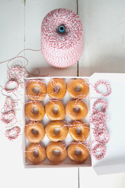 ideas for inexpensive holiday party games doughnut on a string game