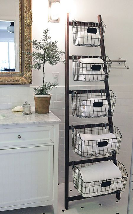 Groovy 11 Ways To Decorate With Vintage Ladders Beutiful Home Inspiration Truamahrainfo