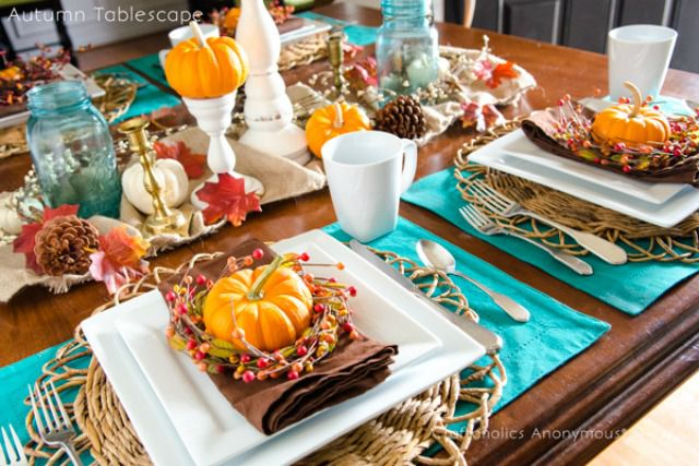 thanksgiving table bright colors