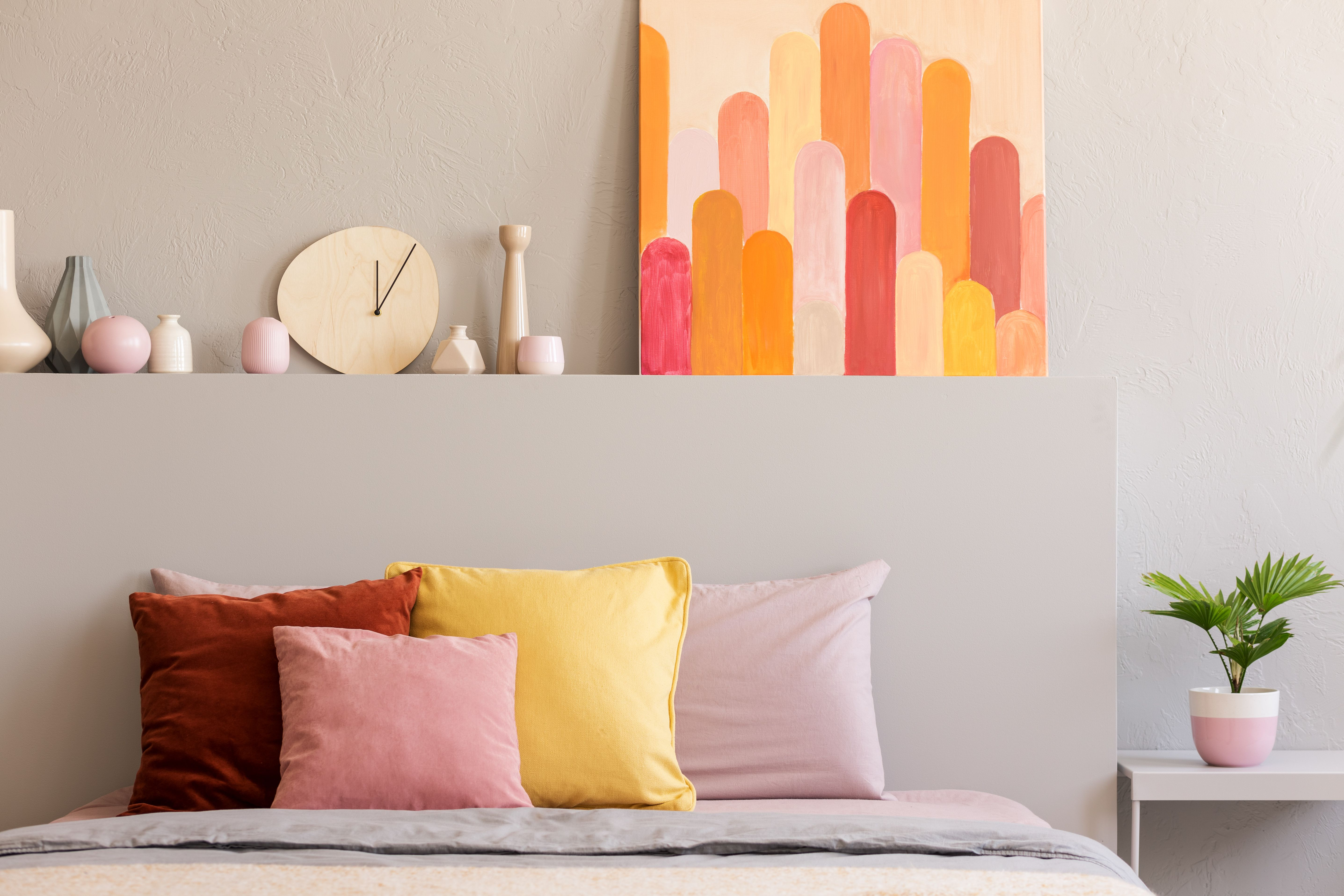 8 Colorful Decoration Ideas For A Small Bedroom