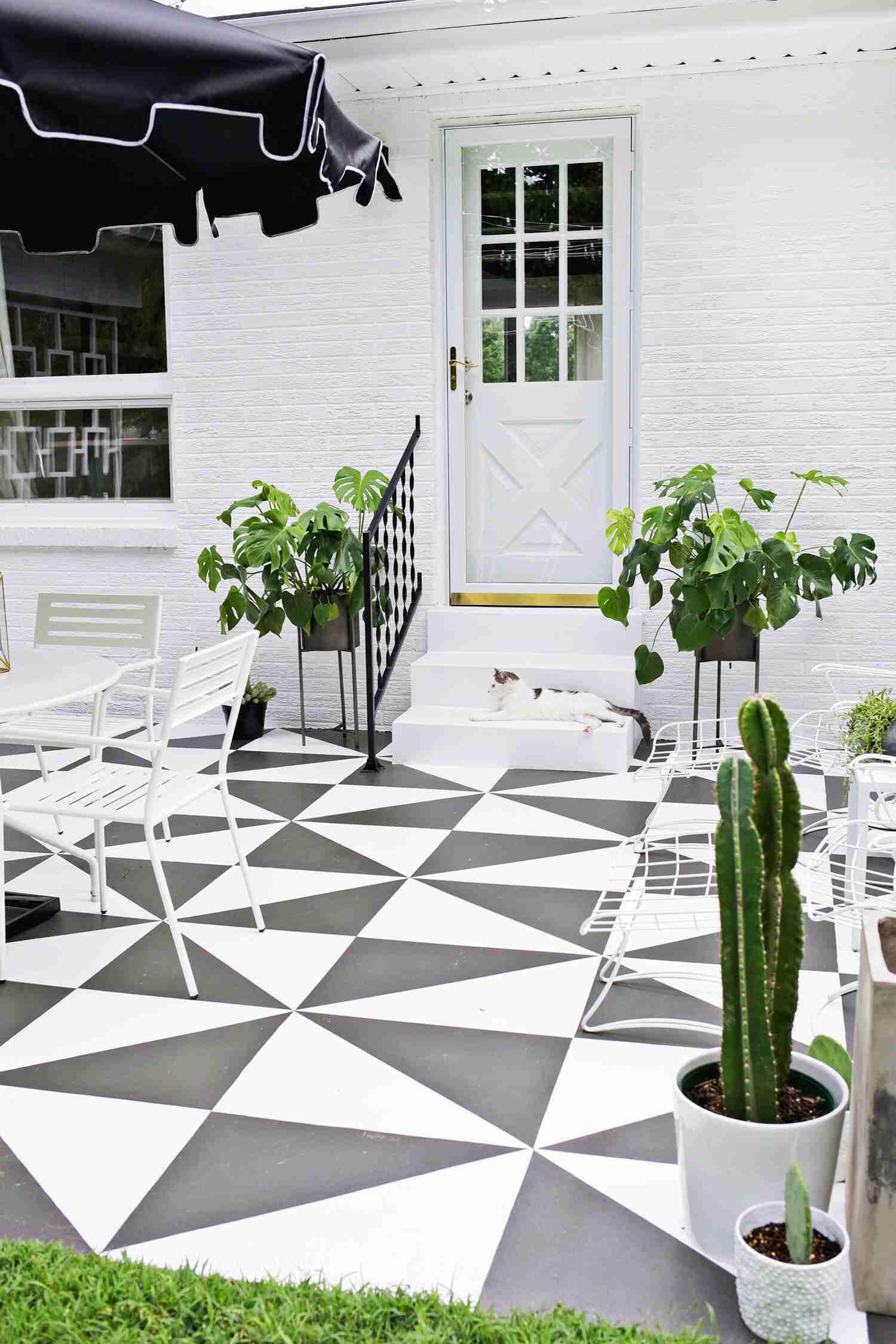 DIY Painted Patio Tiles