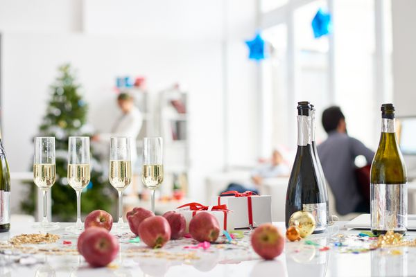 Table with alcoholic drinks and fruits