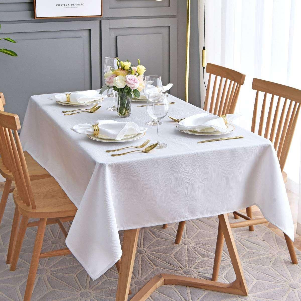 Maxmill Jacquard Tablecloth