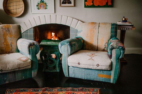 Lisa Queen cabin decor