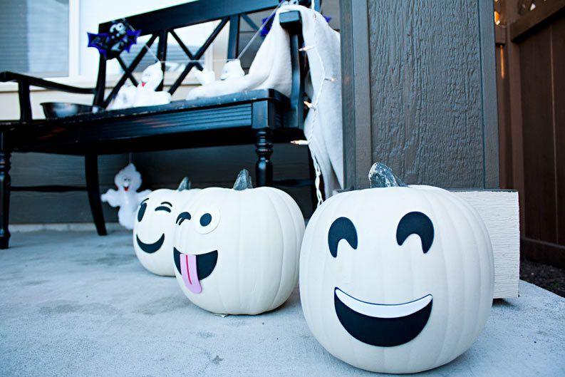 Ghost emoji pumpkins