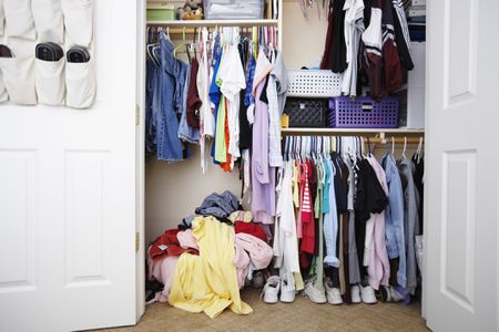 4da3208610c850 The Ultimate Guide to Organizing Your Closet