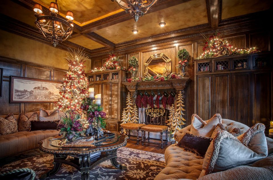 15 Beautiful Ways to Decorate the Living Room for Christmas