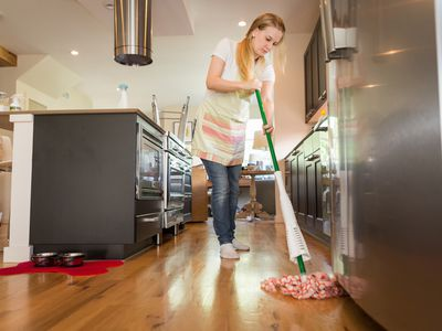 Instructions for Cleaning Linoleum Flooring