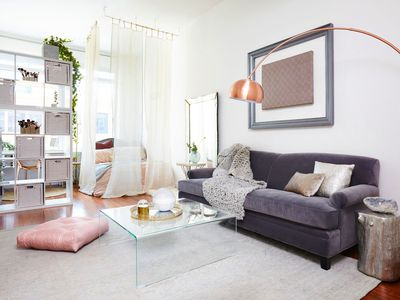 25 Ways To Carve Out A Bedroom In Your Studio Apartment Small Es
