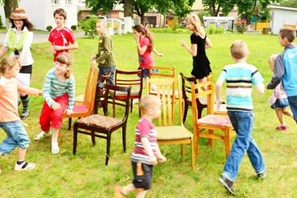 Strip musical chairs