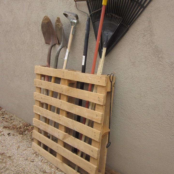 pallet storing garden tools