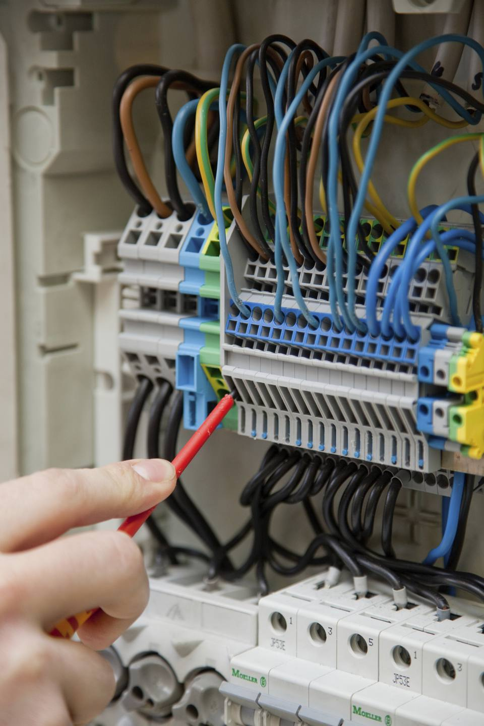 Work on a switchboard or fuse box