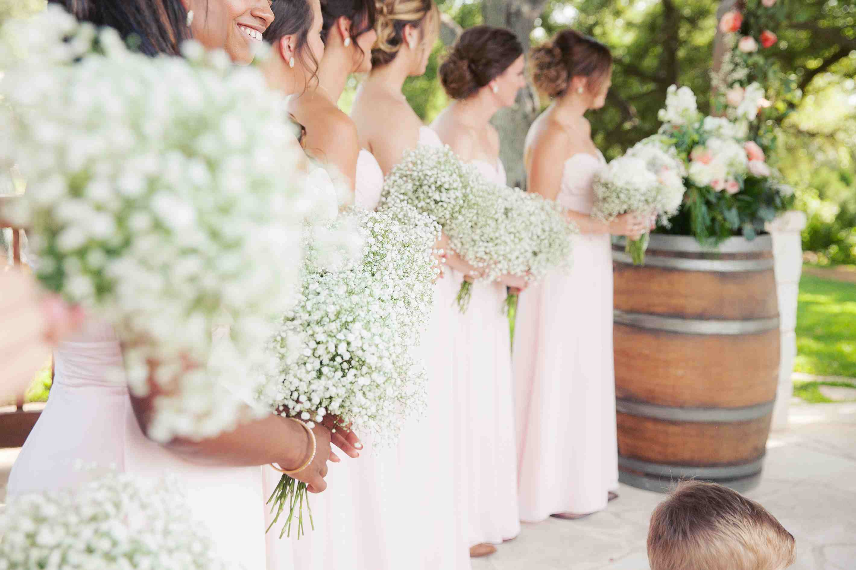 15 Ways To Use Baby S Breath In Wedding Decor