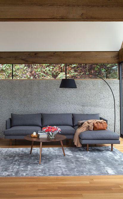 Capas de gris en una sala de estar moderna