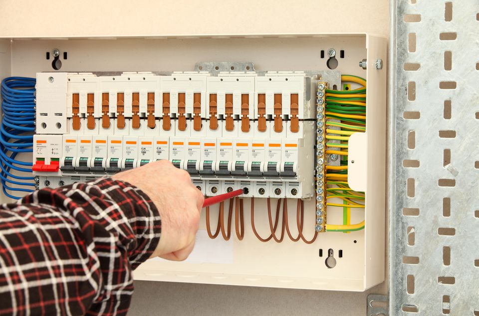 Fuses And Fuse Boxes 101  Types  Sizes  Blown Fuses  And Replacements