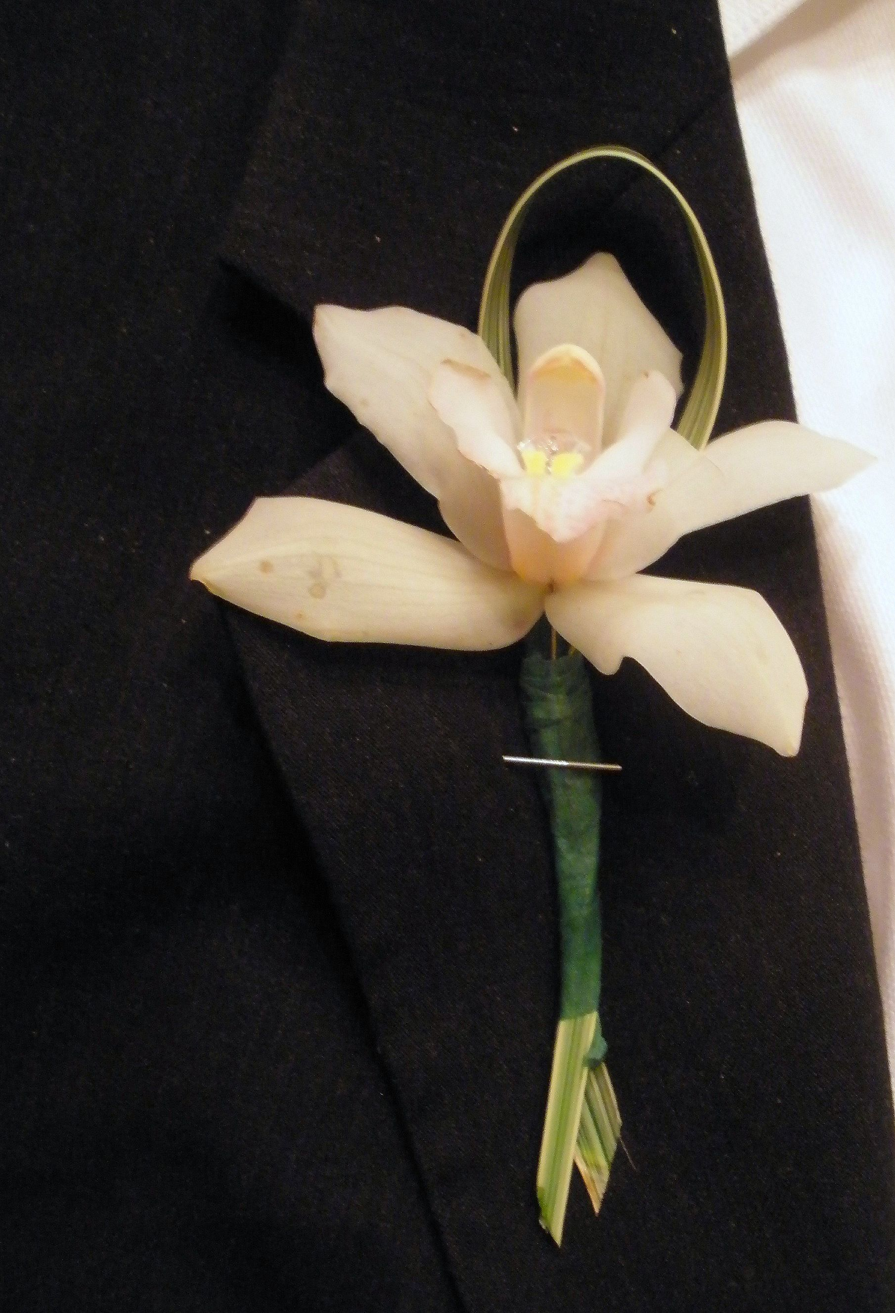 How To Make An Easy Orchid Boutonniere