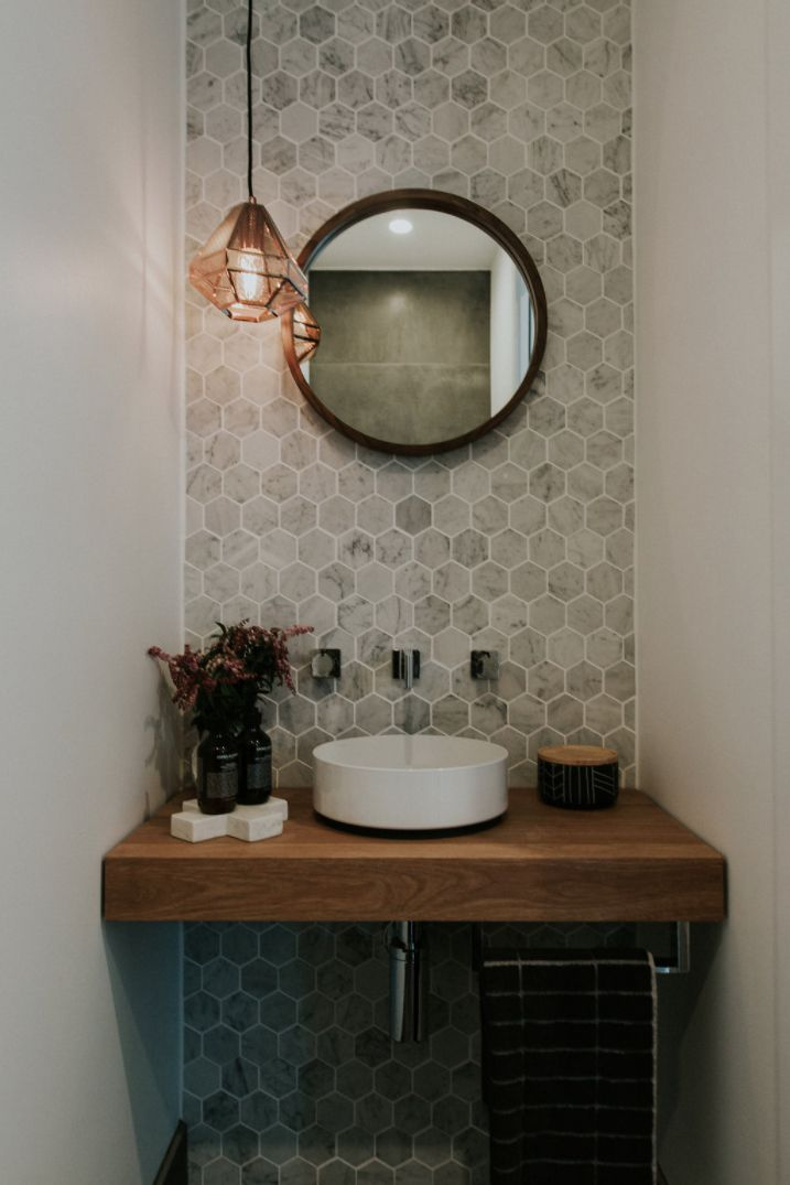 16 Stunning Tile Ideas For Small Bathrooms