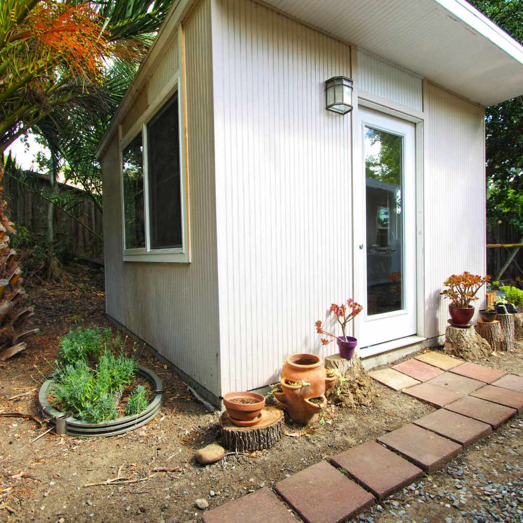 midcentury modern guest house
