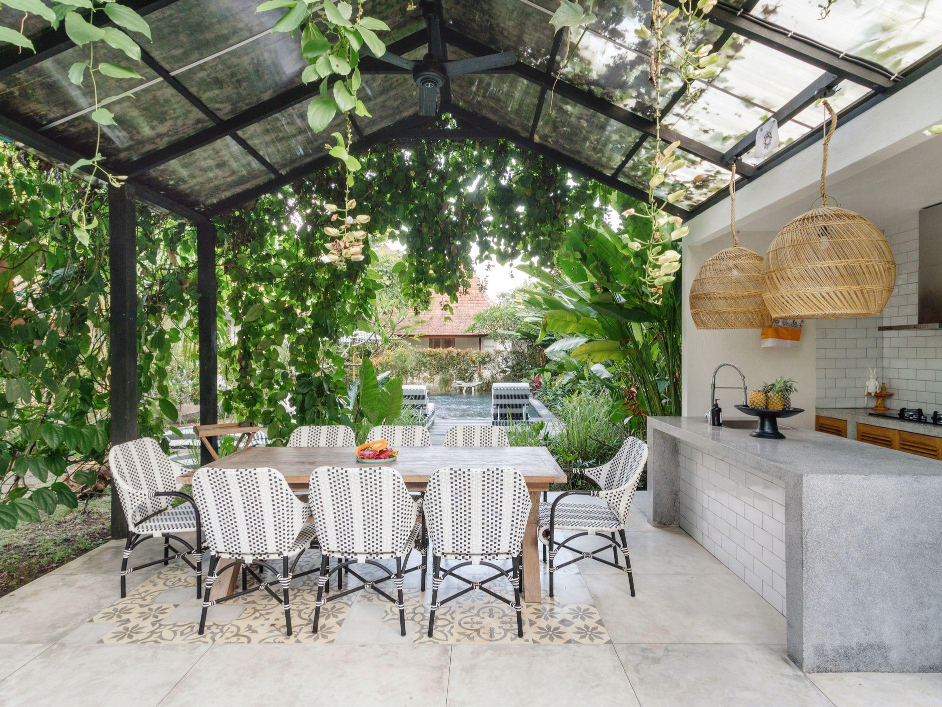 10 Fabulous Outdoor Dining Ideas