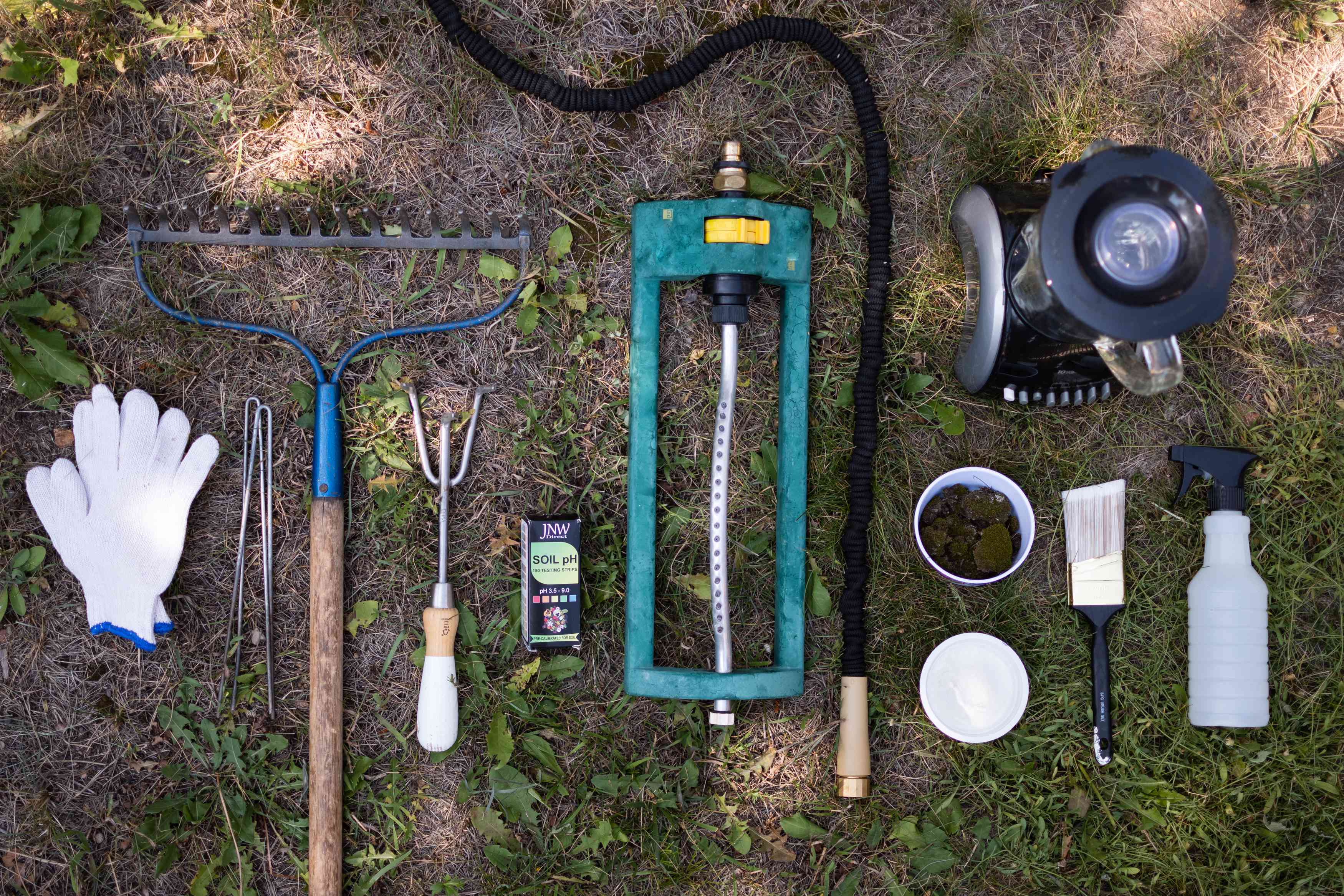 Materials and tools to grow moss on dirt ground