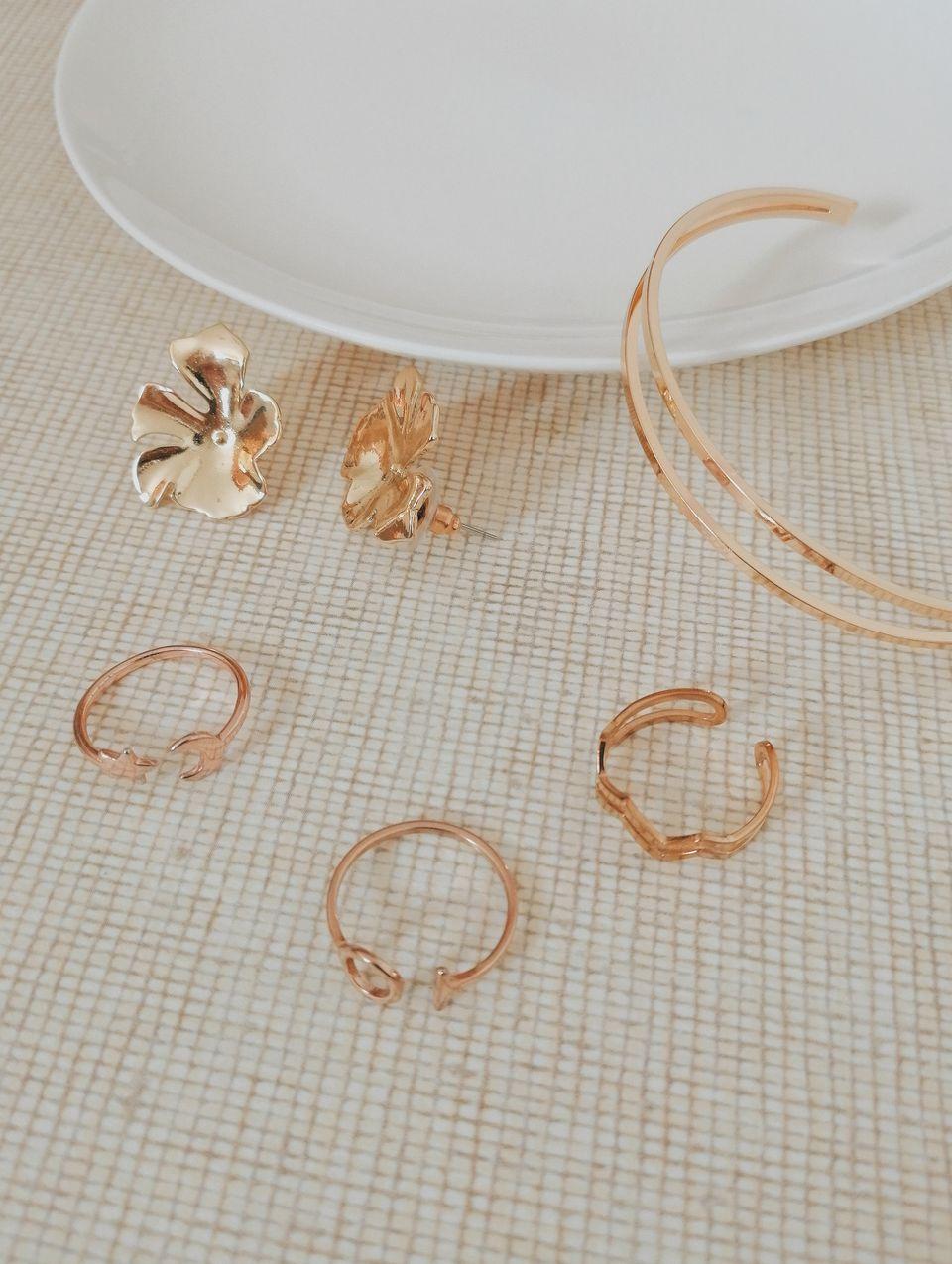 Gold jewelry and jewelry dish