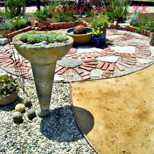 circular backyard patio