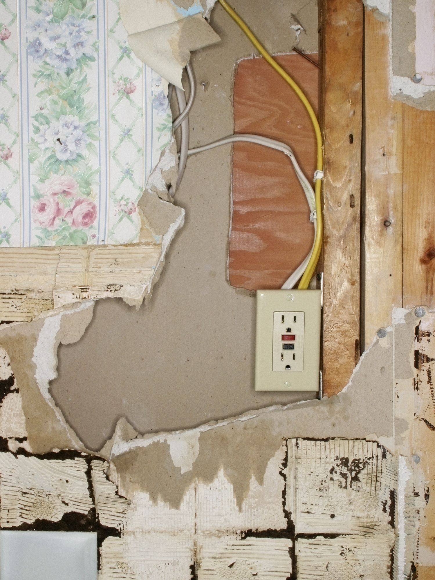 Is My Old Electrical House Wiring Safe? Where Is Wiring In Walls on