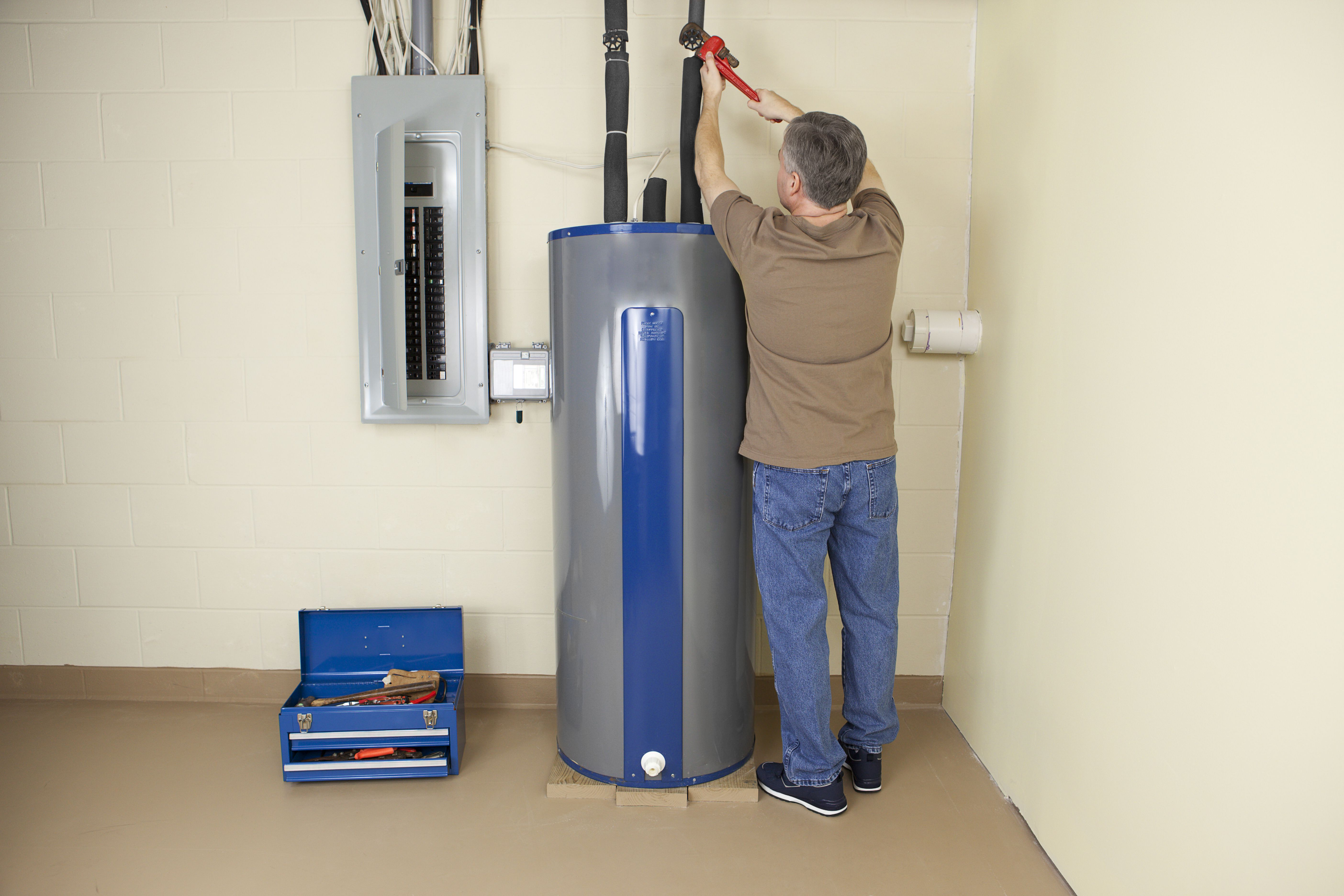 How To Troubleshoot Electric Hot Water Heater Problems Change The Temperature On Your