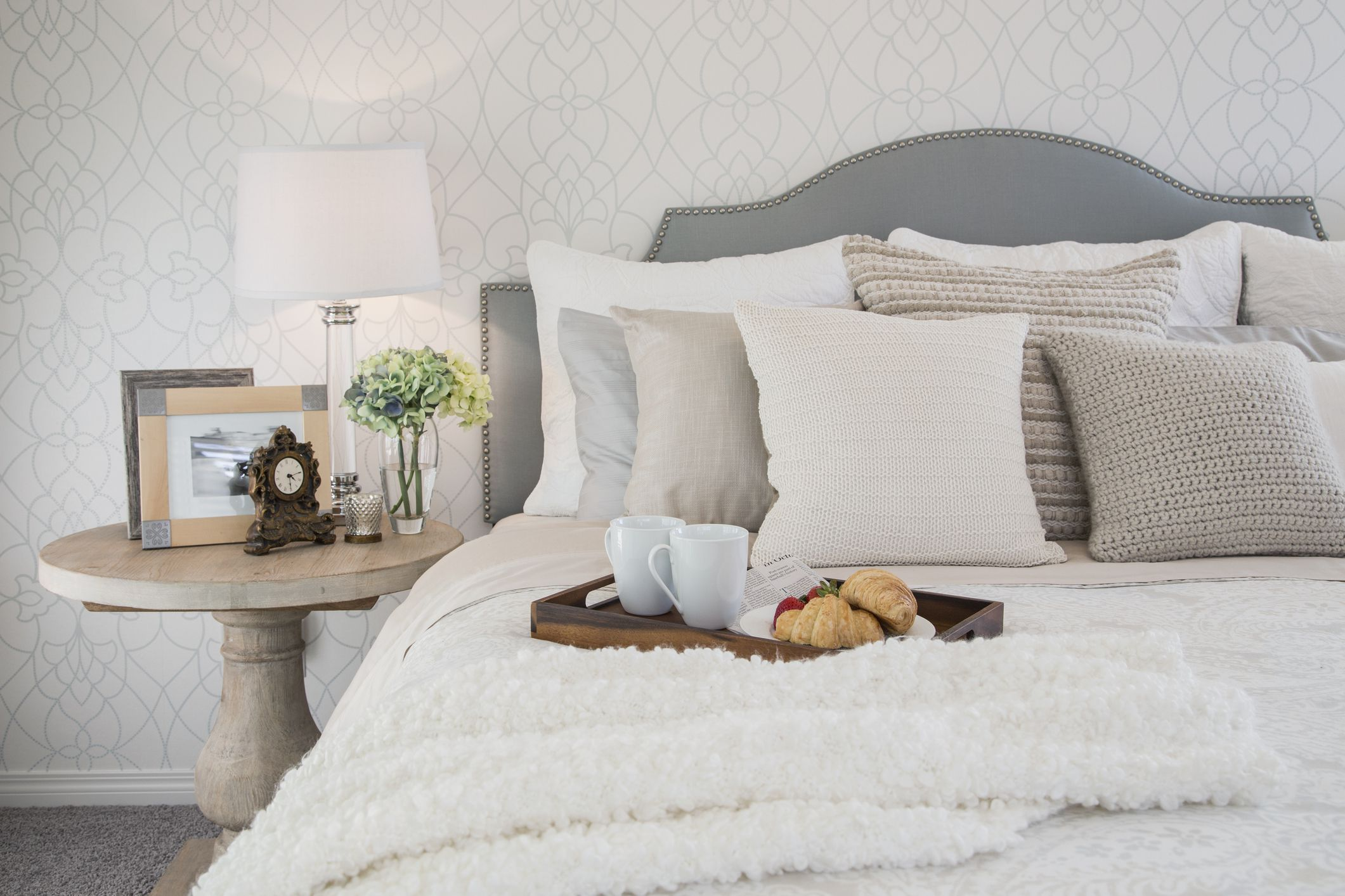 How To Organize A Nightstand