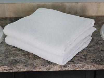 Everplush Diamond Jacquard Bath Towel