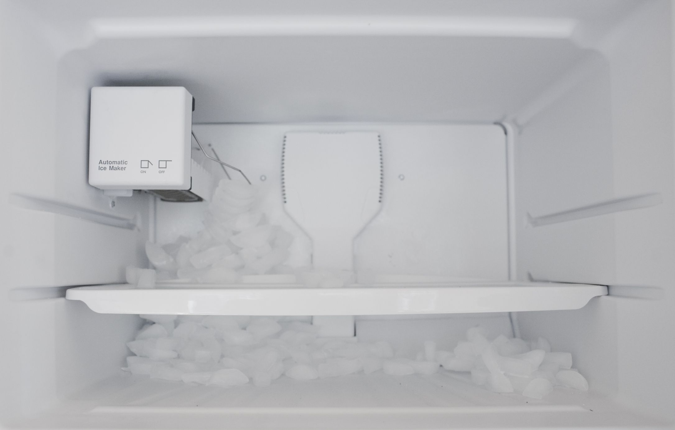 Above view of an ice maker.