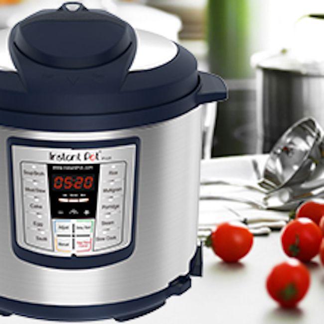 Instant Pot LUX60 V3 6 Qt 6-in-1.. Multi-Use Programmable Pressure Cooker