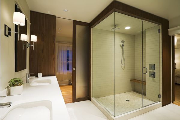 Modern Shower With Tiled Pan