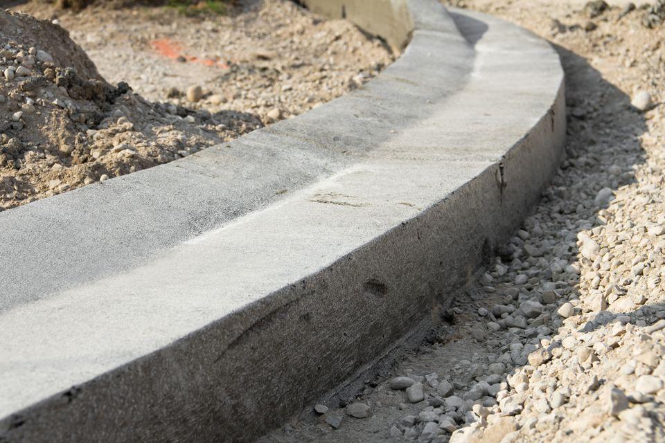 fly ash concrete curb construction