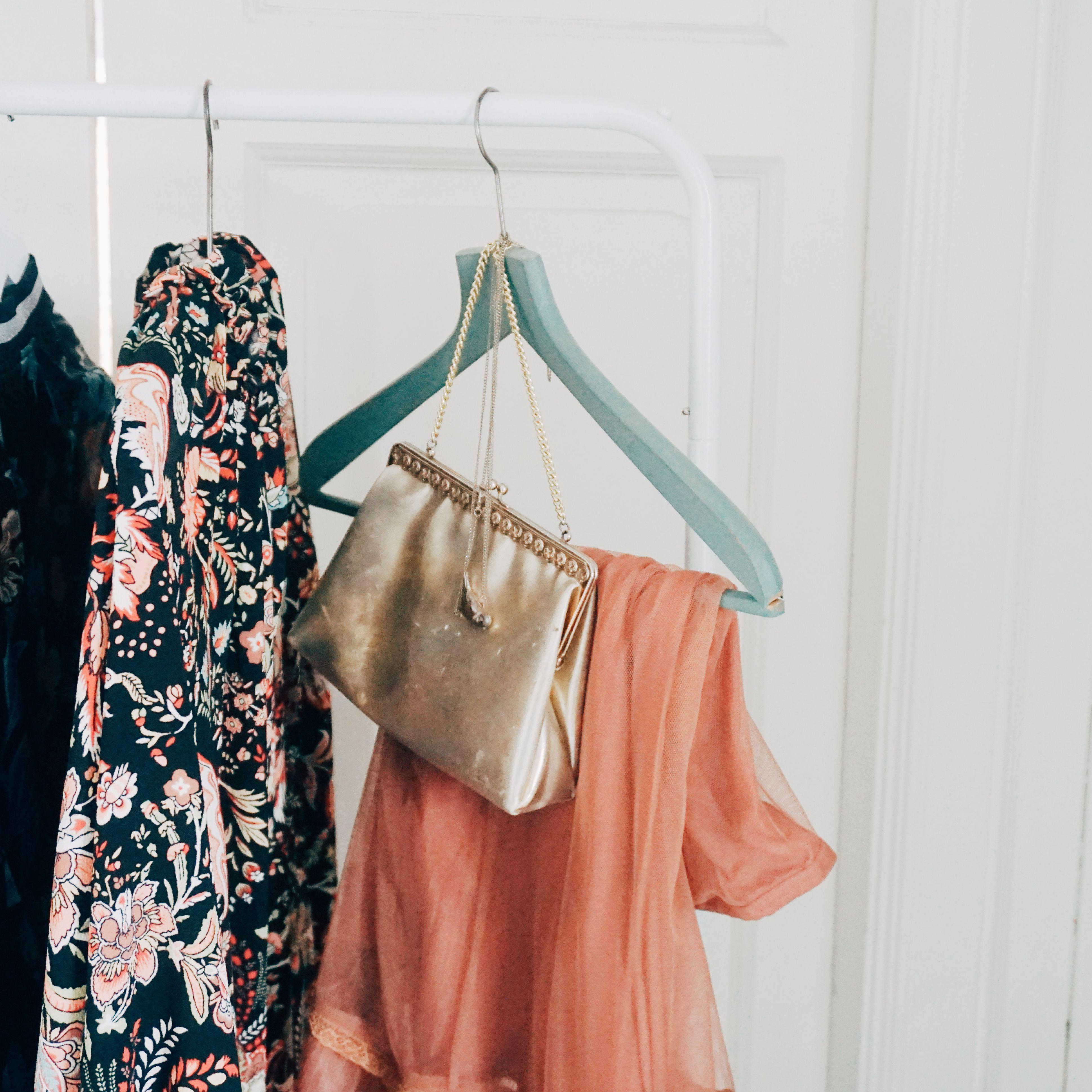 Non-slip Household Coat Holder Velvet Hangers Clips Hanging Hooks Dress Rack