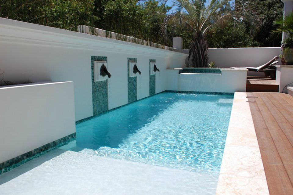 50 Spectacular Swimming Pool Water Features