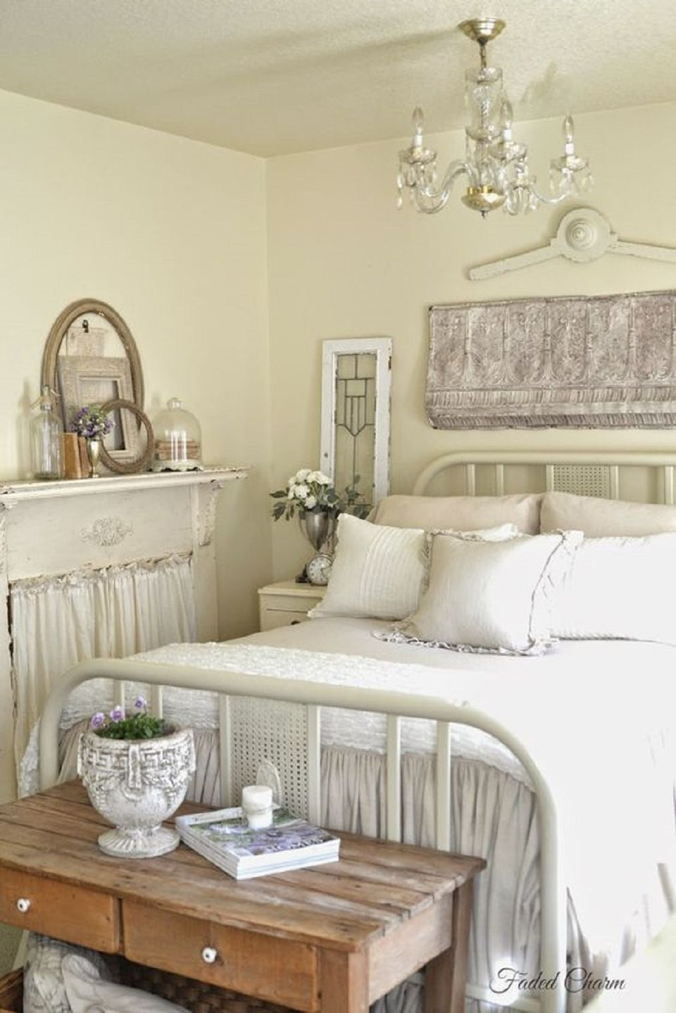 French country shabby bedroom