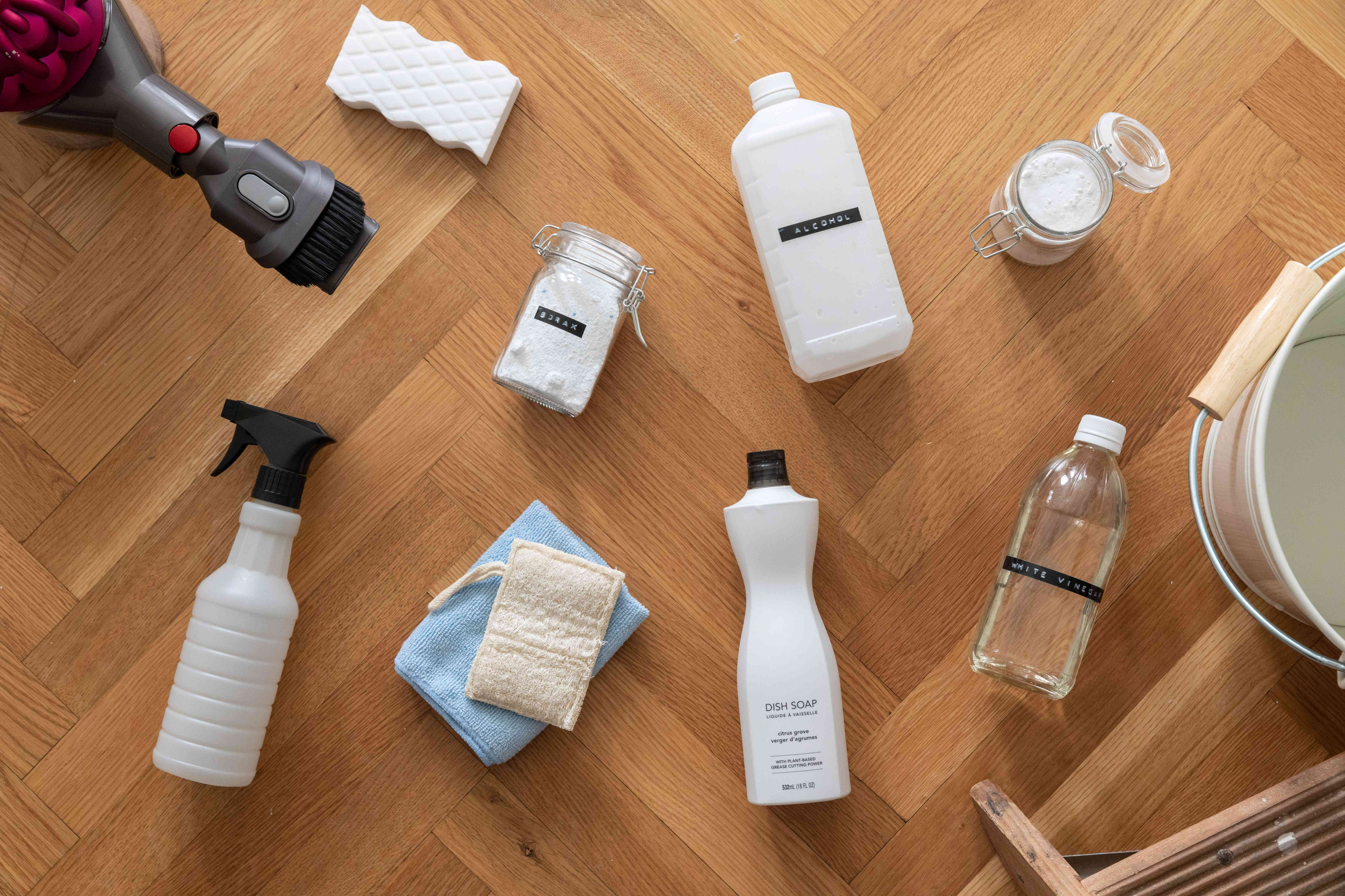 Materials and tools to clean walls