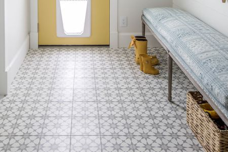 Gray Tile Patterned Entryway Floor
