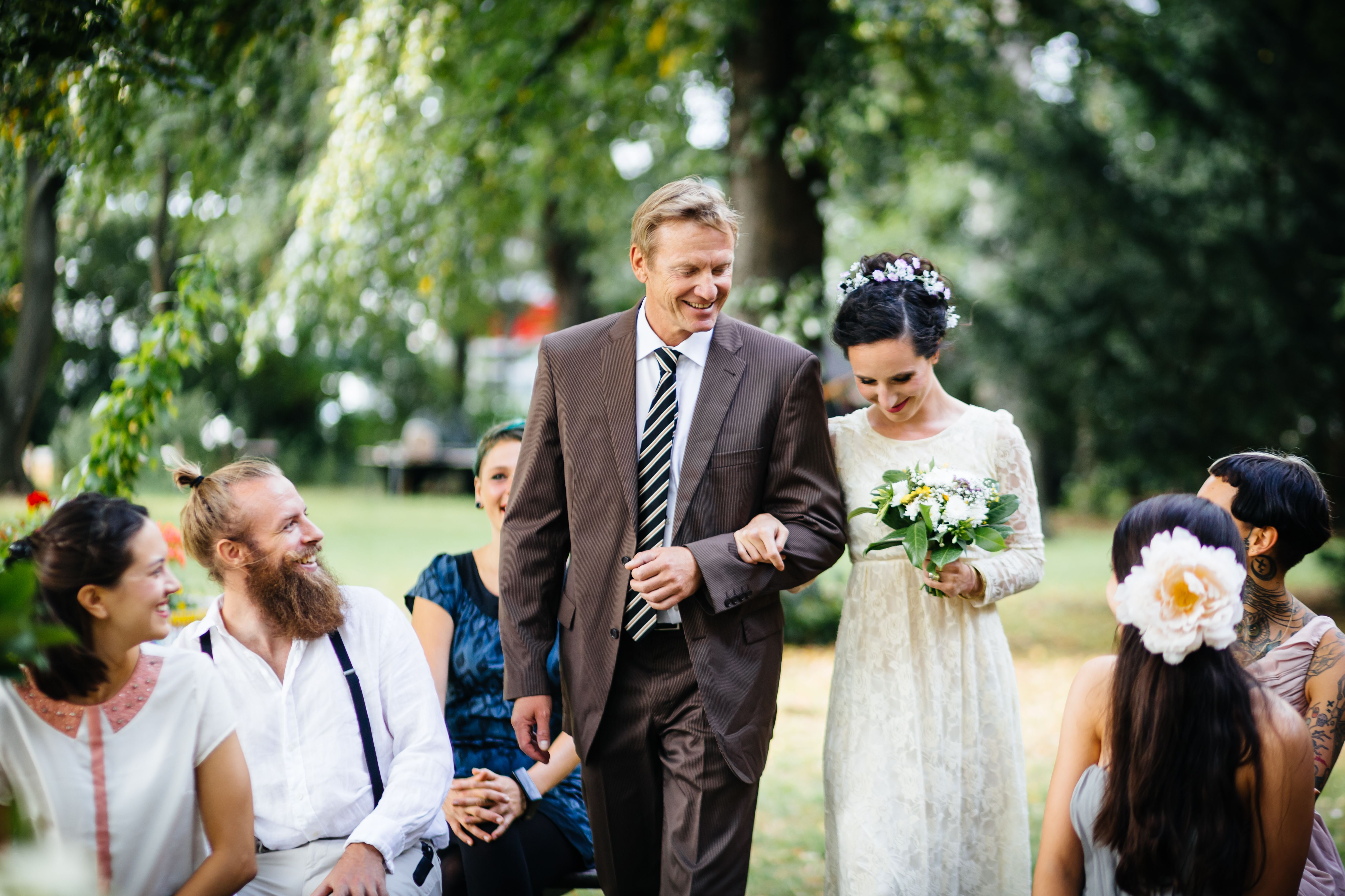 How Divorced Dads Can Best Handle a Daughter's Wedding