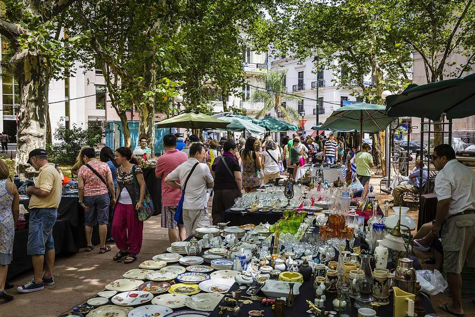 Outdoor Saturday flea market at Plaza Constitucion
