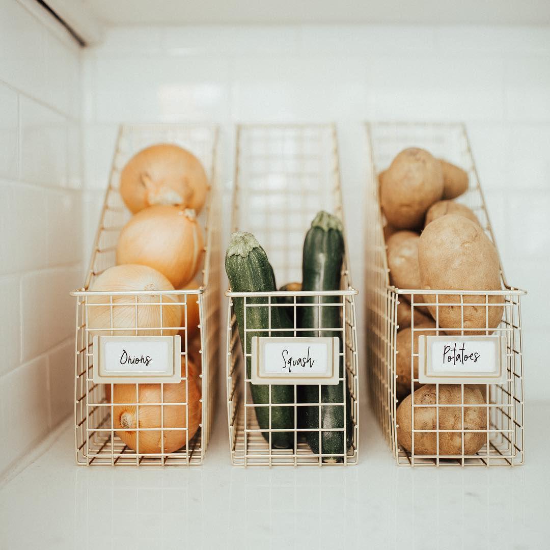 Storing fresh produce in file holders