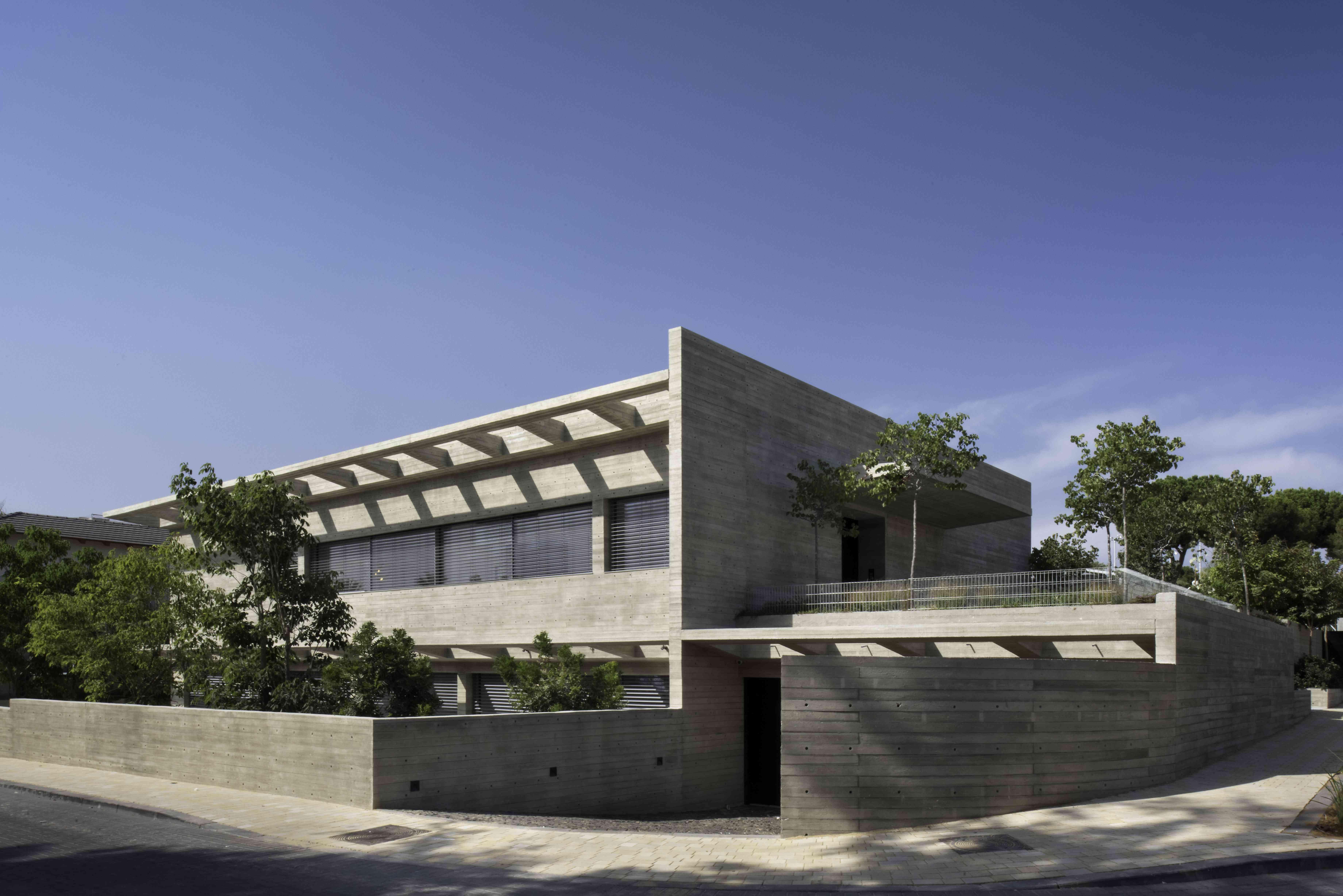 casa moderna hecha de concreto